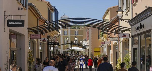 Shopping chez McArthurGlen Provence   1/2 J