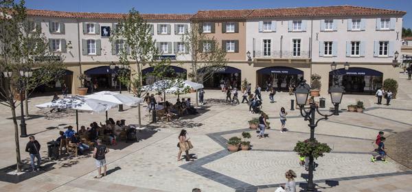 Shopping J 12 Chez Provence Mcarthurglen QErexBdWCo