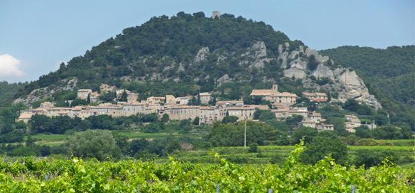 Châteaux de Suze la Rousse & Seguret Village Médiéval